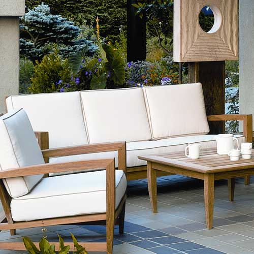 How to design a patio for comfort and beauty how to for Table jardin beauty