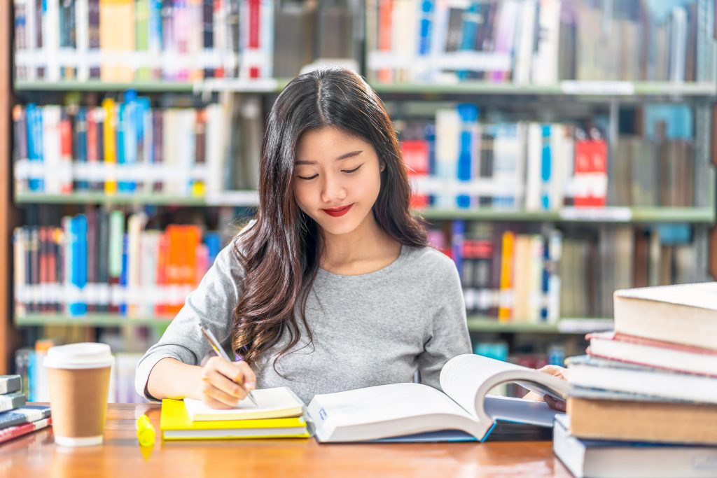 Top 9 Things Universities Look for in an Applicant