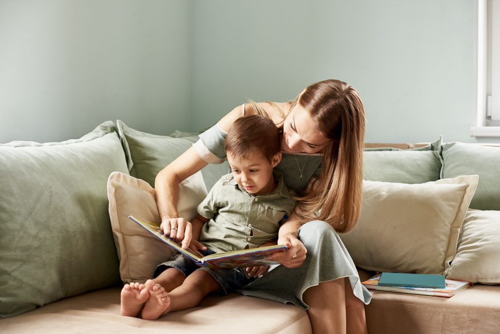 6 Strategies To Help Your Child To Read