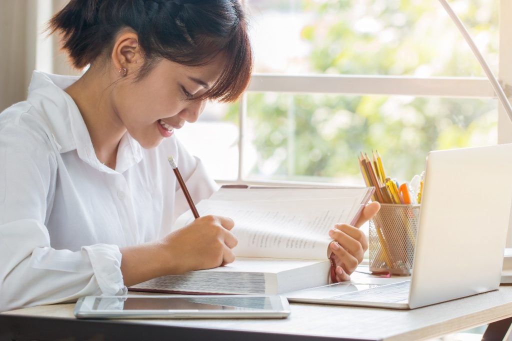 A Step-by-Step Procedure in Writing a Research Paper