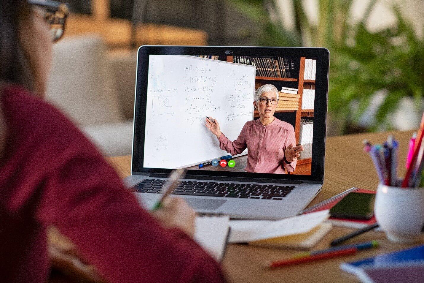 5 Reasons Hybrid Learning Works